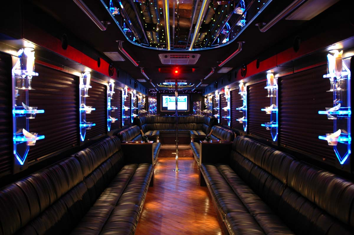 Tampa Party Buses | Party Bus Rental Tampa FL